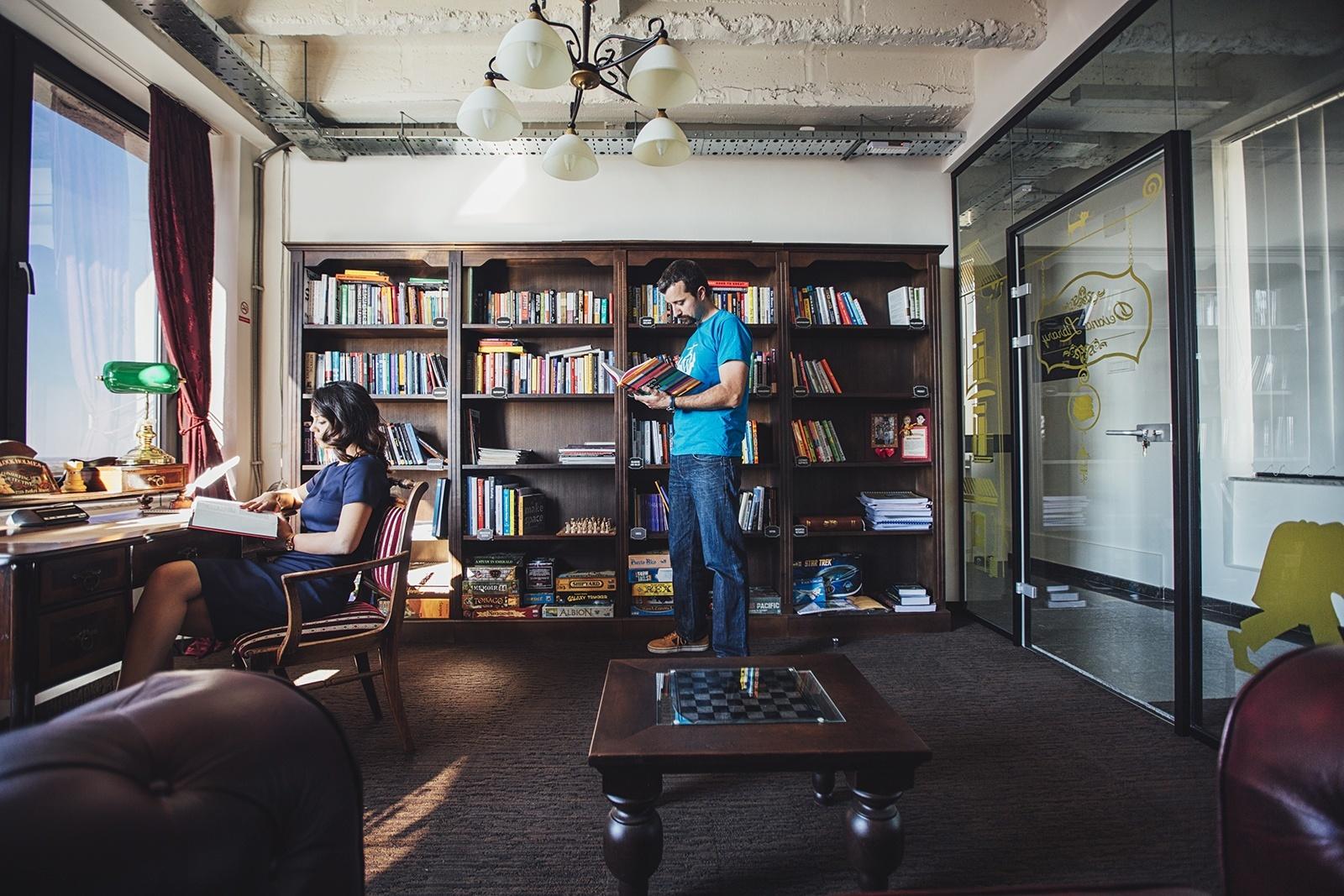 Inside devana technologies hip belgrade office officelovin 39 for Hip office design