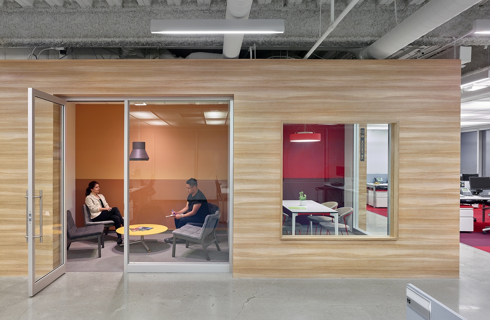 A Tour of Travelzoo's New Canadian Headquarters - Officelovin'