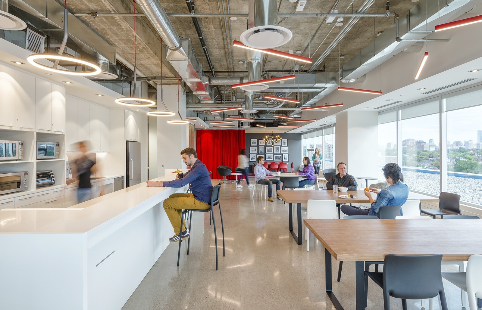 A Tour Of Deluxe S Modern Toronto Office Officelovin
