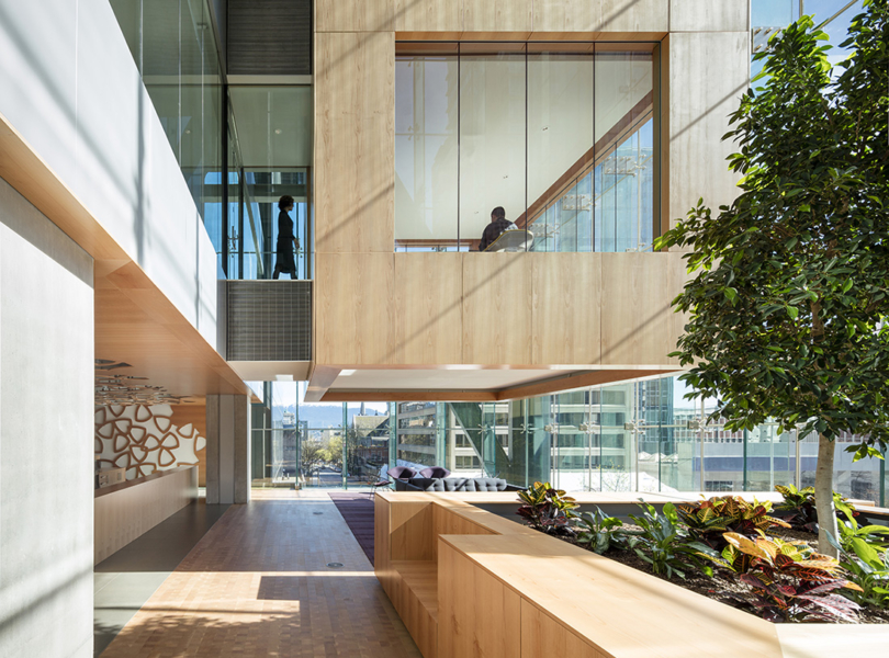 Telus Garden Offices / office of mcfarlane biggar