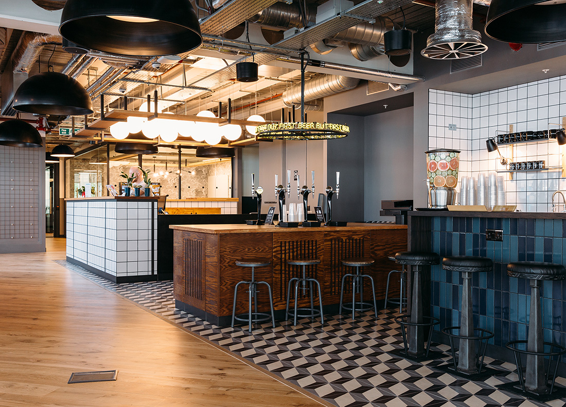 A tour of wework paddington officelovin for Bar coworking milano
