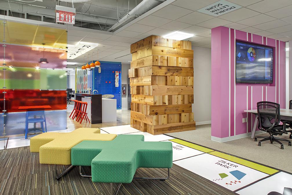 an inside look at retailmenot u2019s cool austin headquarters huddle room crestron huddle room crestron
