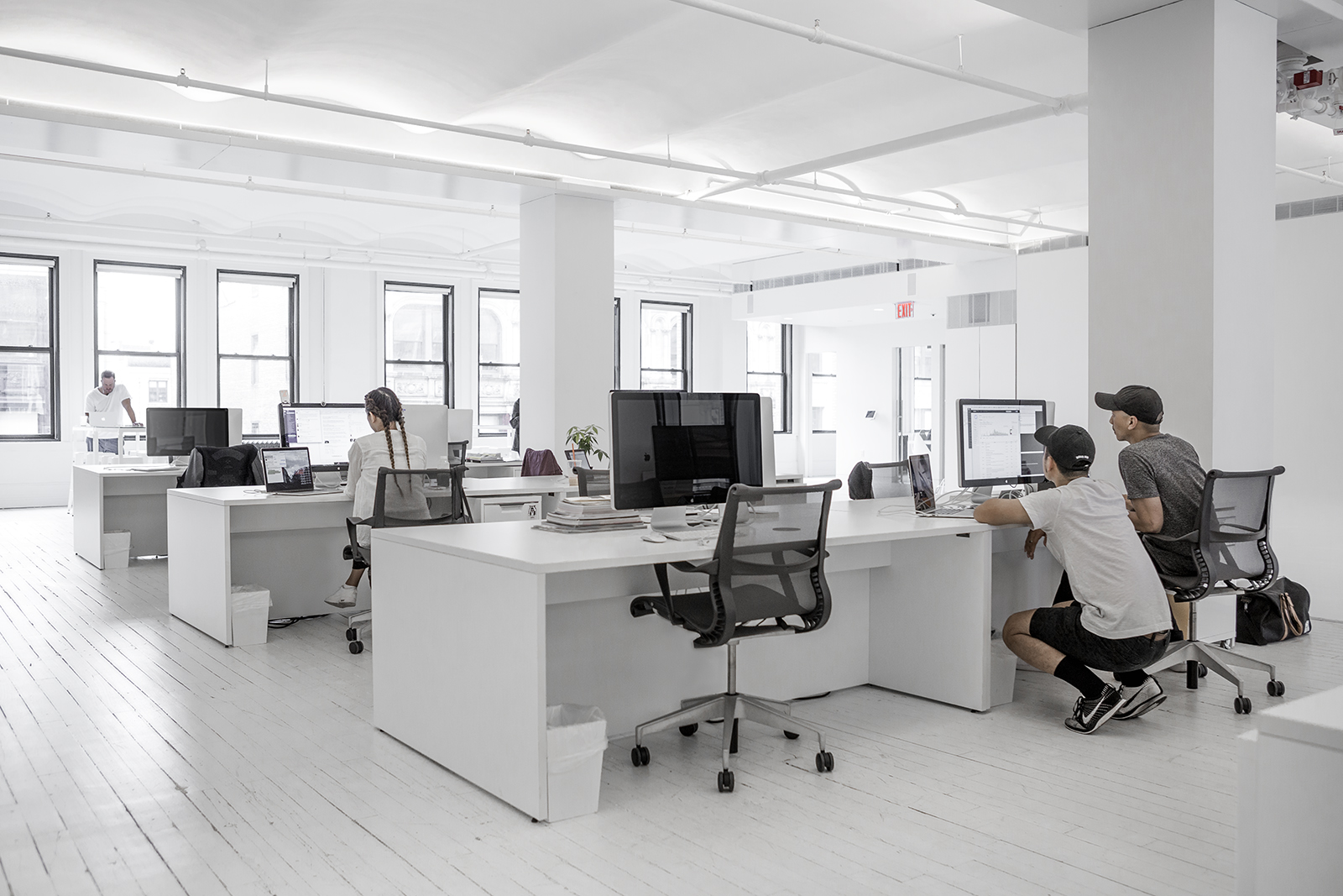 A tour of vsco s new minimalist nyc office officelovin 39 for Office pictures
