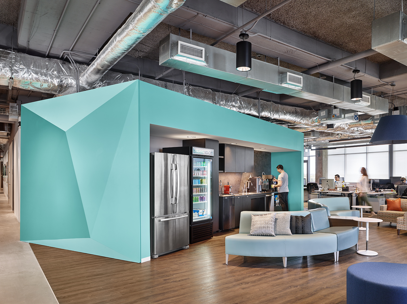 A Tour Of Bazaarvoice S Amazing Austin Headquarters Officelovin 39
