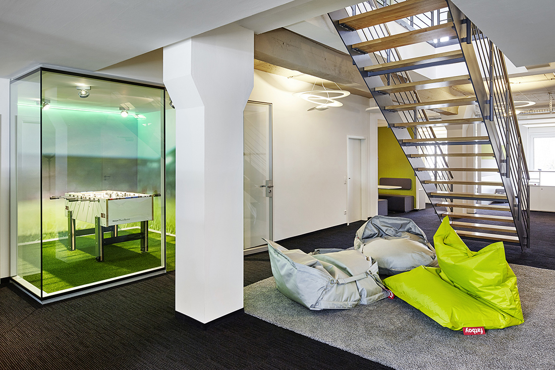 An Inside Look at netzkern's Minimalist Office