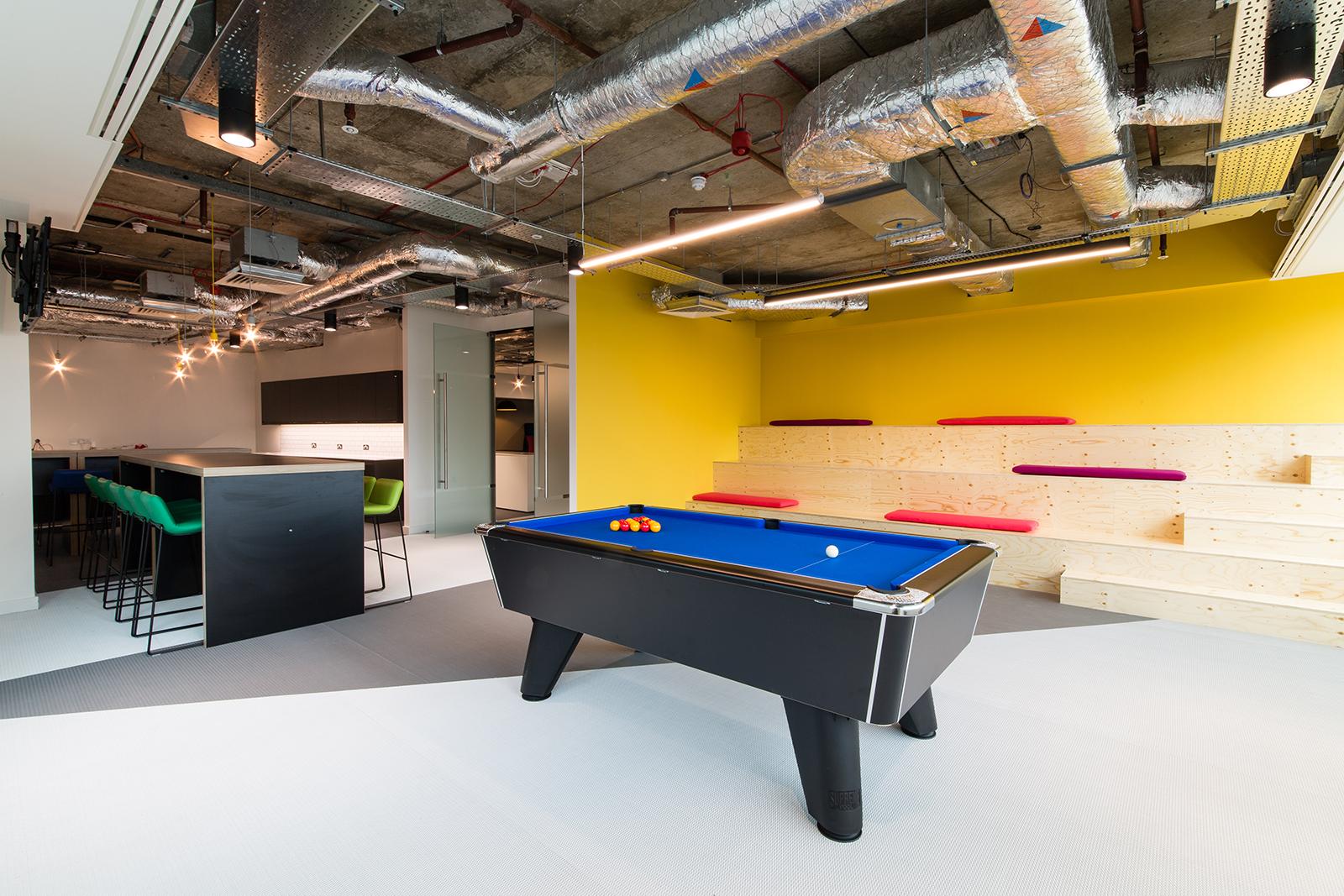 inside career builder s new sleek london office officelovin relax zone