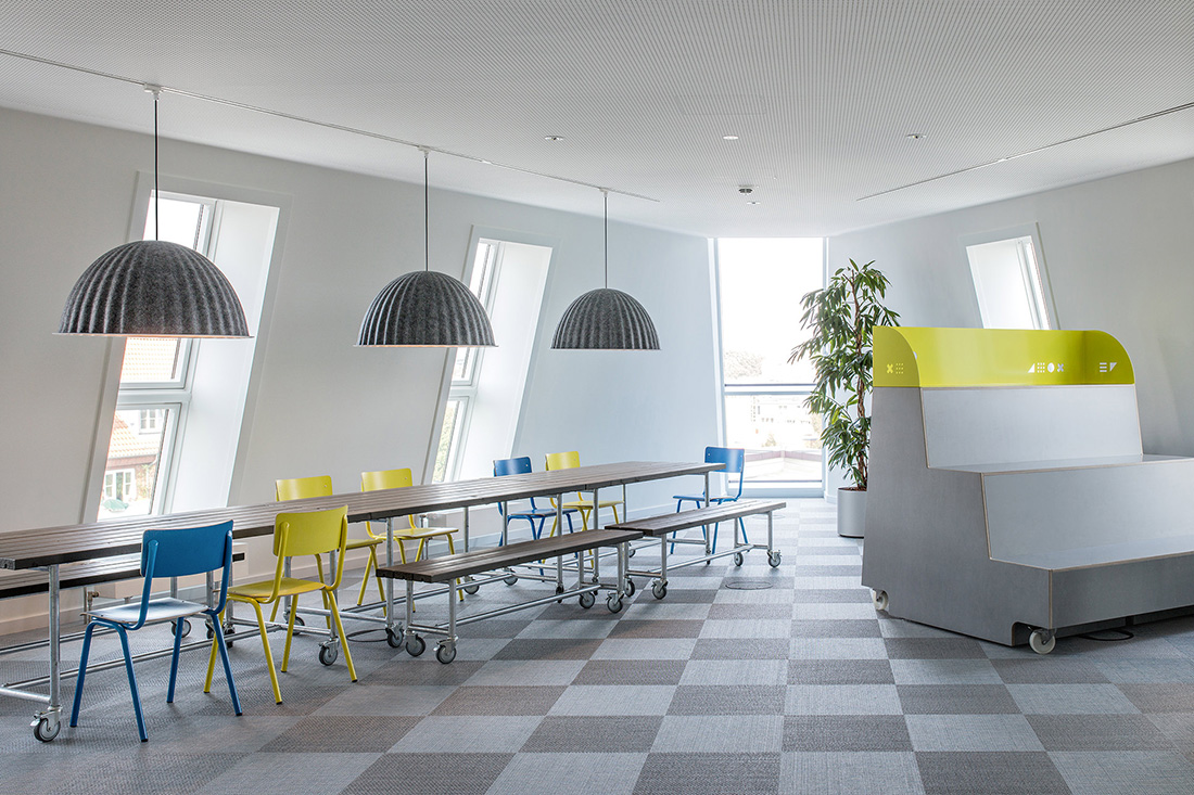 A Tour of Monday Consulting's Minimalist Hamburg Office