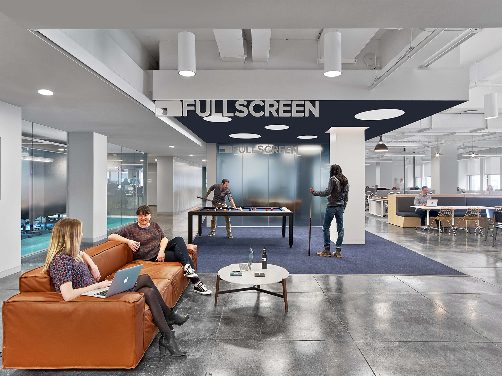 fullscreen-office-1