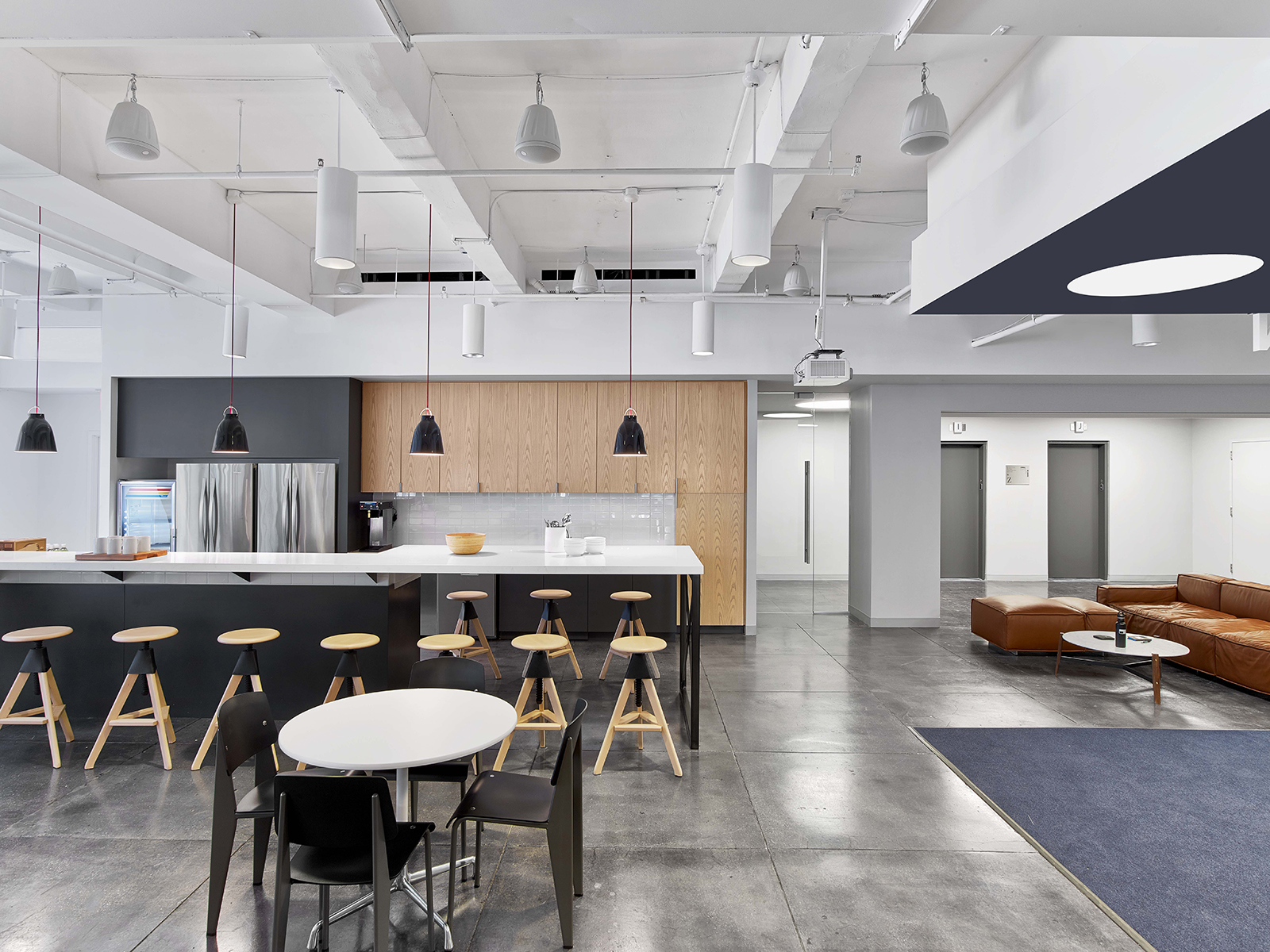 Inside fullscreen s modern new york city office officelovin 39 for Office kitchen design