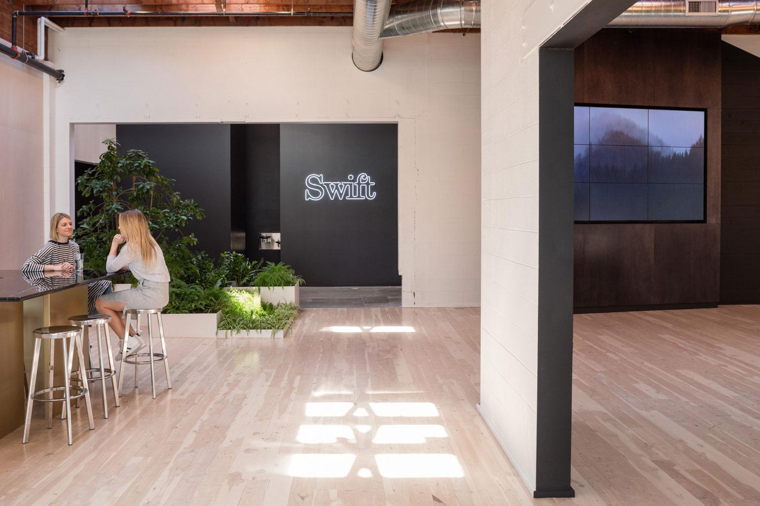 swift-office-11