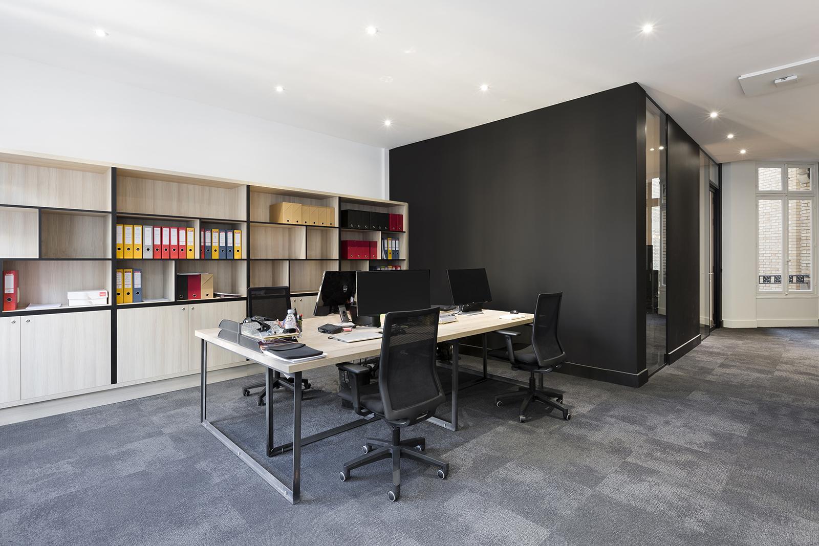 blackpills-office-1