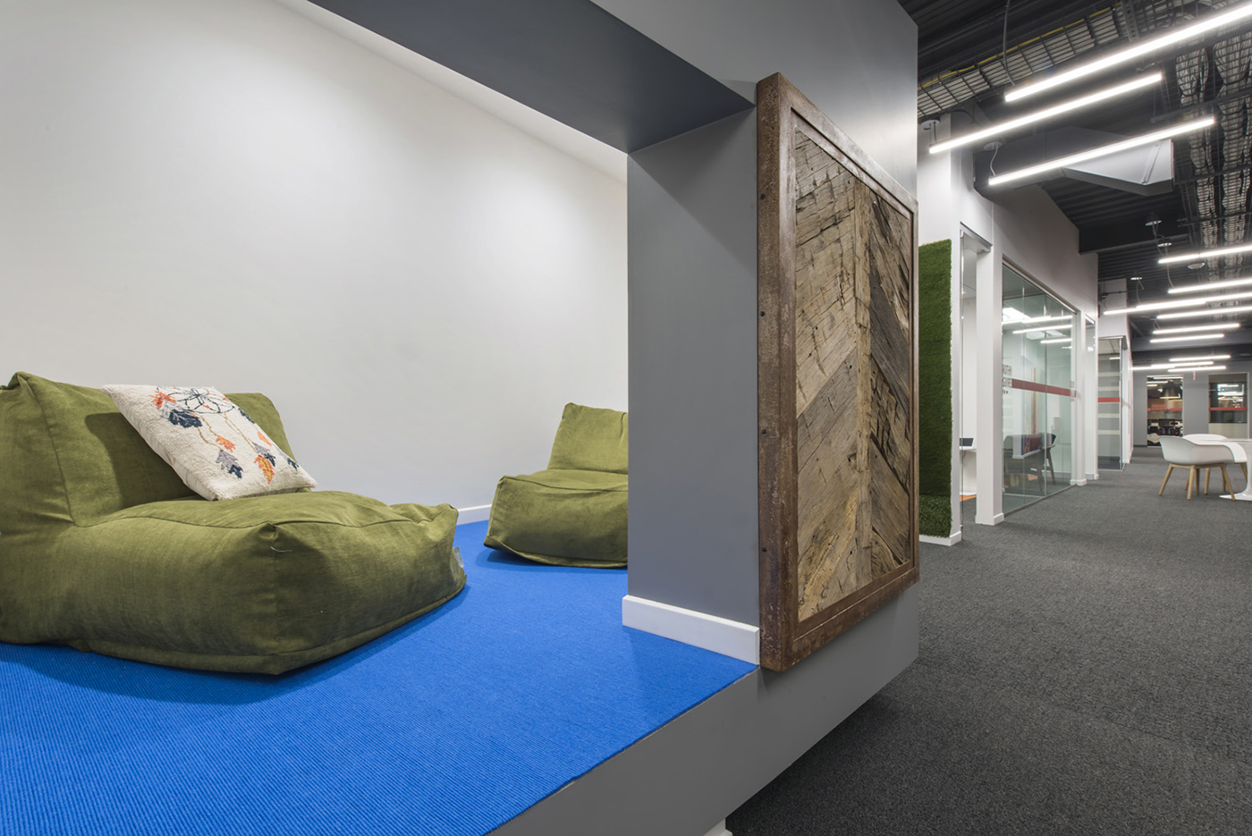 Inside LinkedIns Modern New Omaha Office
