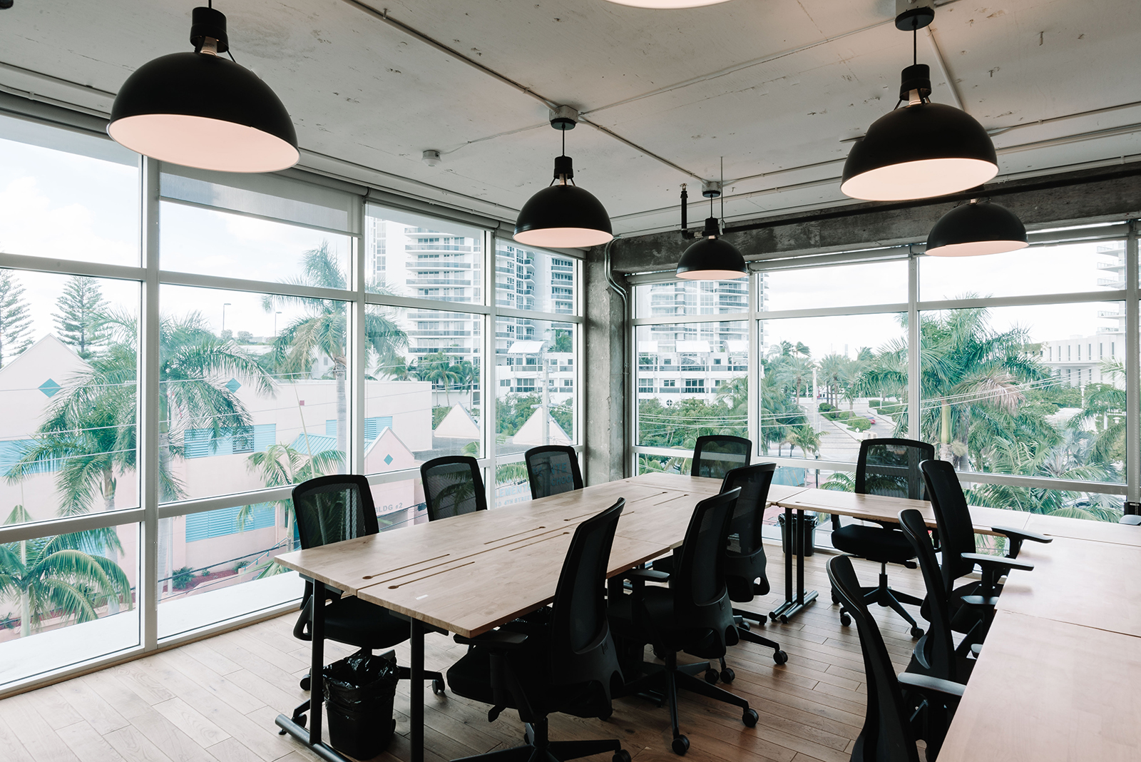 An Inside Look at WeWork\'s Miami Coworking Space - Officelovin\'