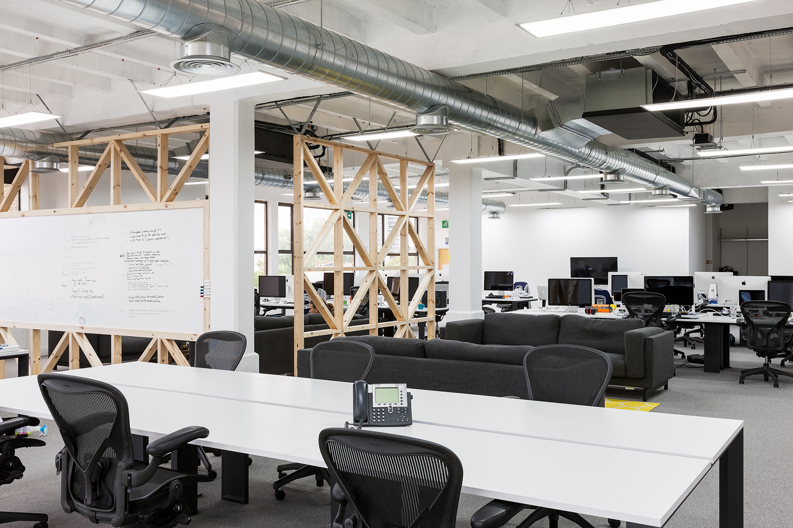 A peek inside gocardless london office officelovin 39 for Office design london