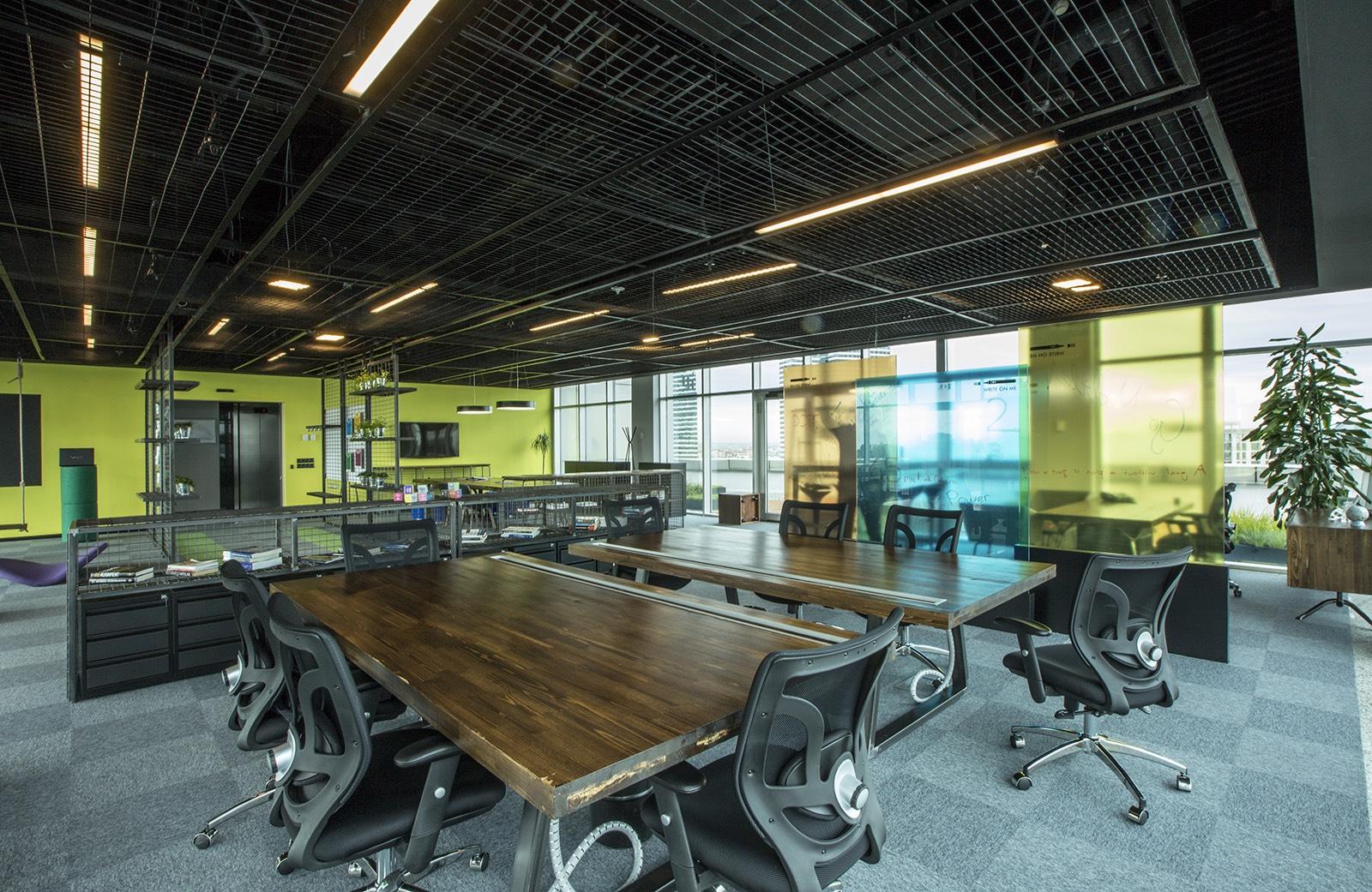 avivasa-office-7