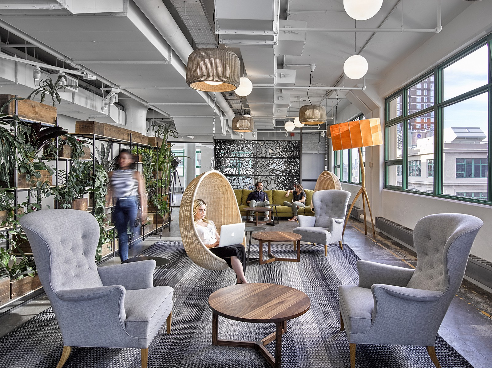A tour of etsy s super cool brooklyn headquarters for Office new design