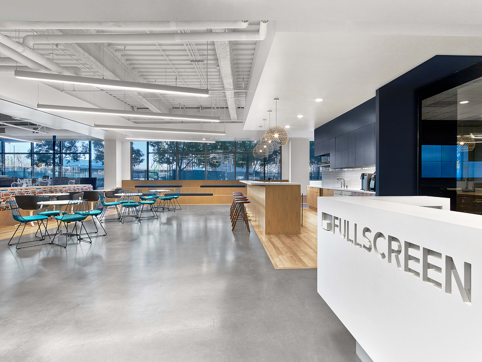 fullscreen-los-angeles-office-1