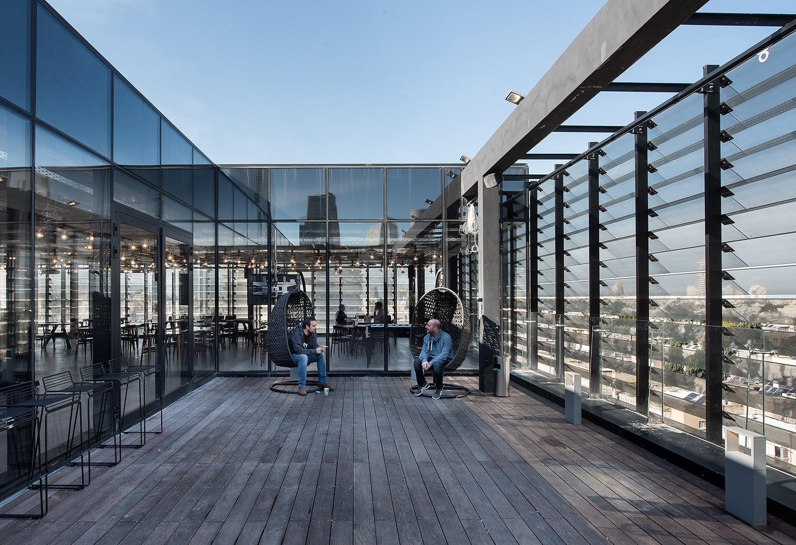Inside Fiverr S Cool Tel Aviv Headquarters Officelovin