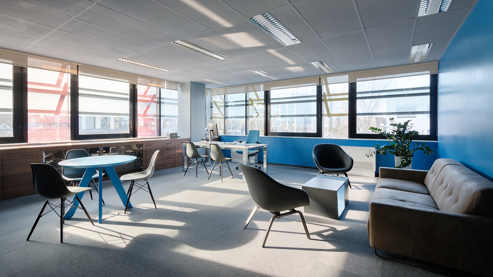 A tour of nanobit s cool new zagreb office officelovin 39 for Design office zagreb