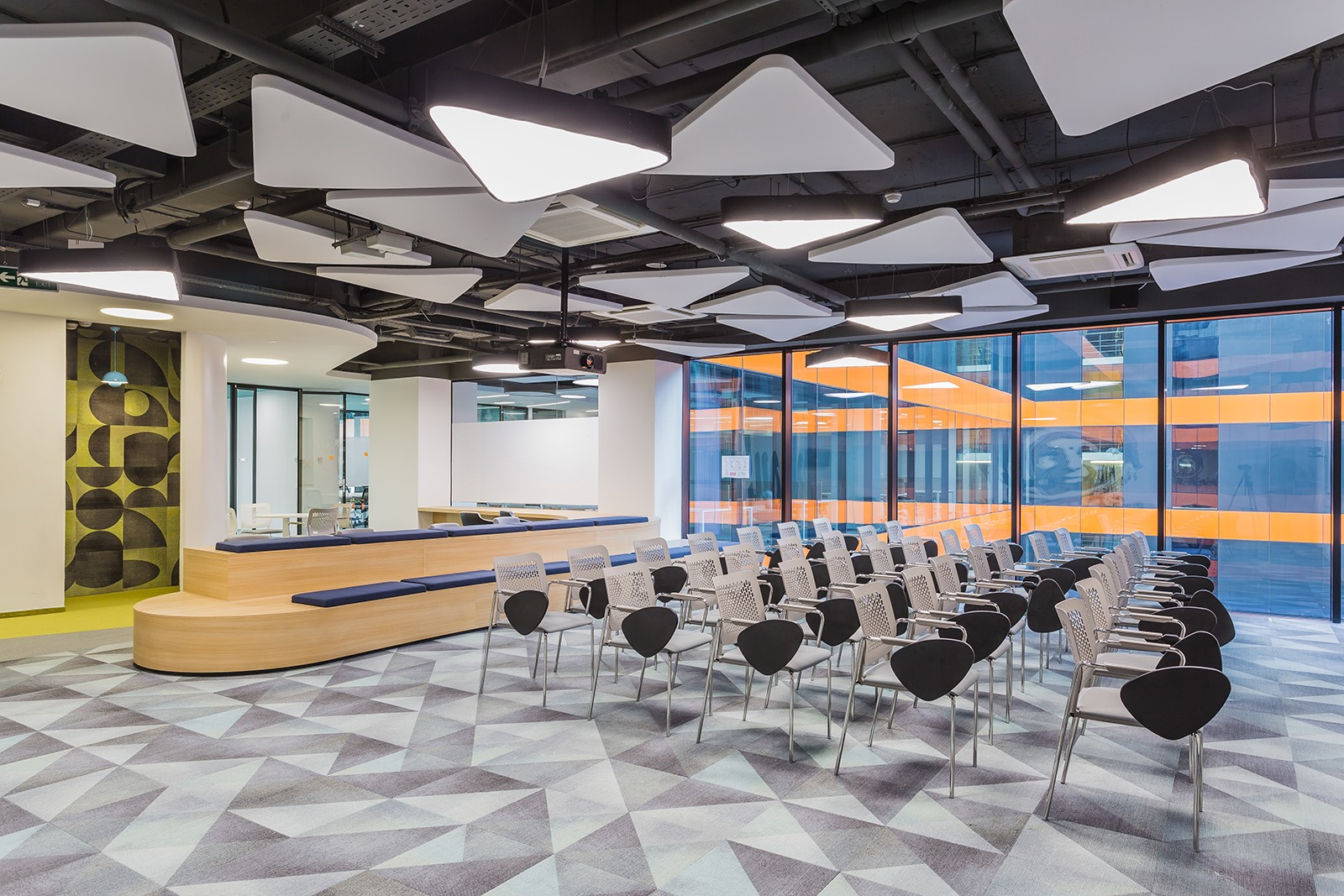 Contemporary House Near Moscow By Atrium Architects: Inside Sberbank's Modern New Moscow Headquarters