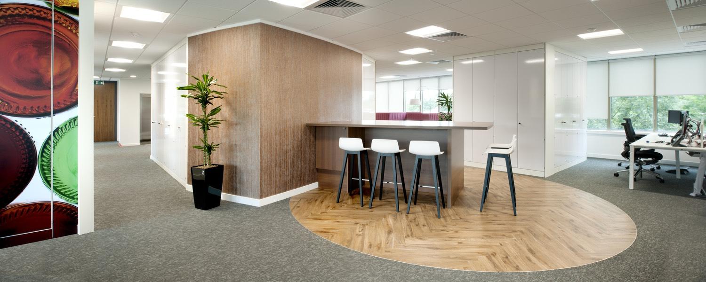 suez-case-office-6