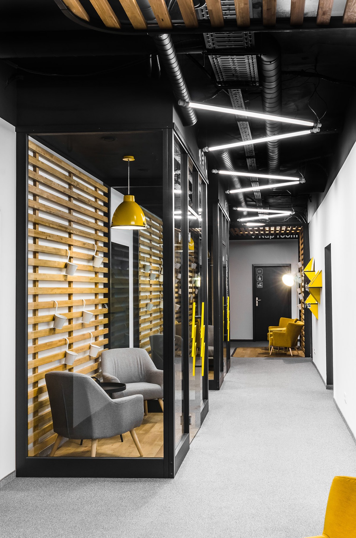 Inside Droids On Roids Cool Wroclaw Office Officelovin