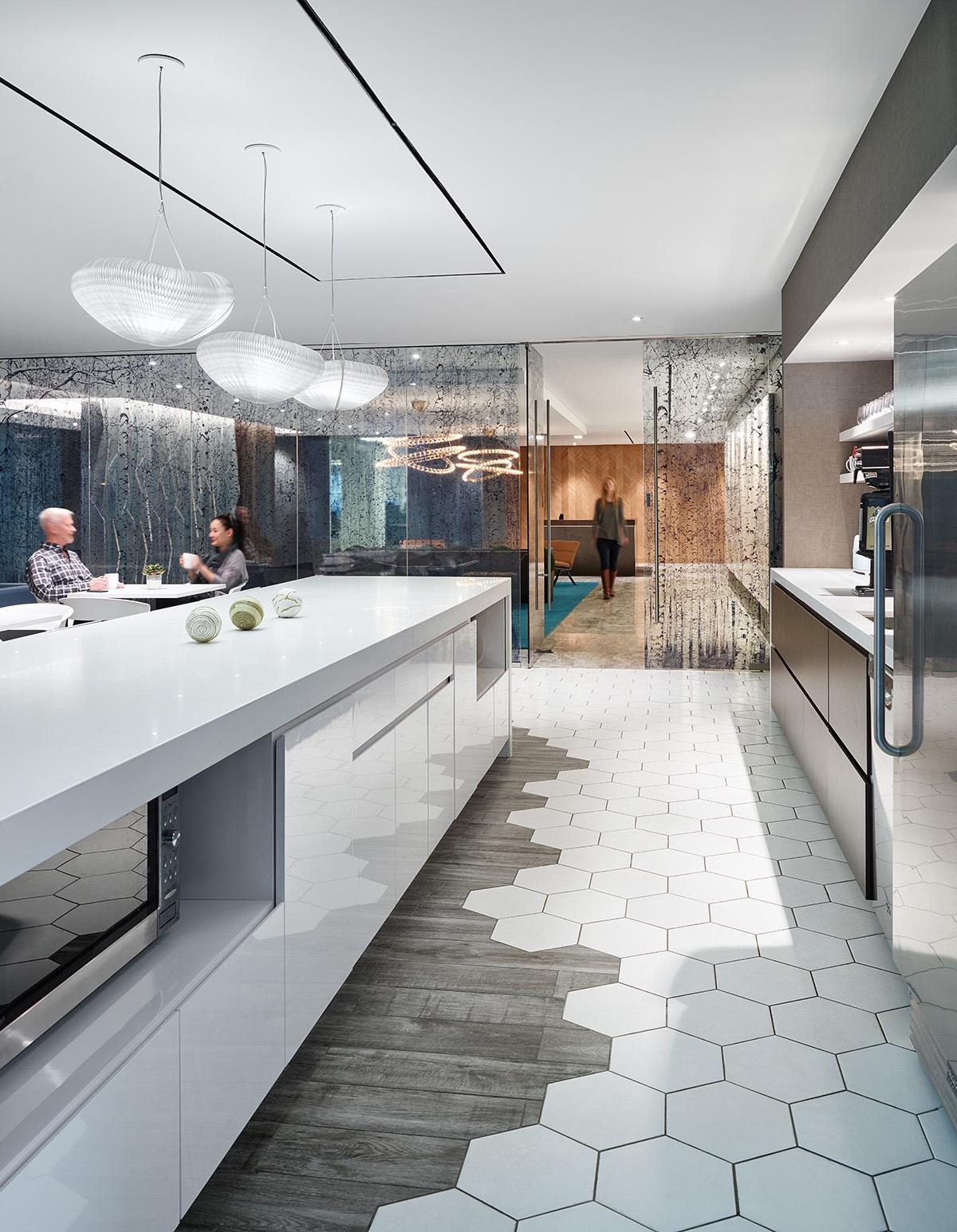 Inside Smart Amp Biggar S Sleek Toronto Office Officelovin