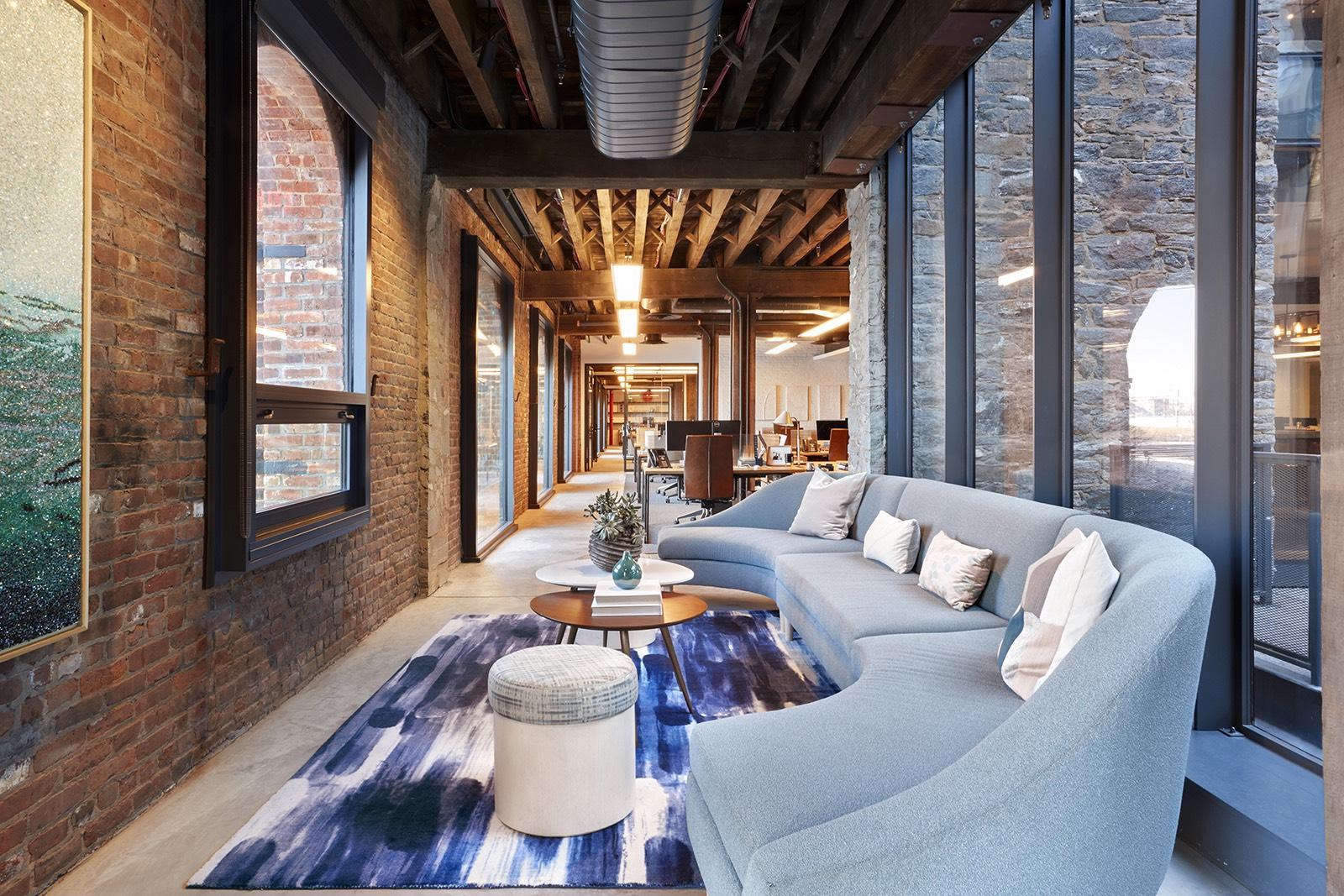 Inside West Elm S Sleek New Brooklyn Headquarters Officelovin