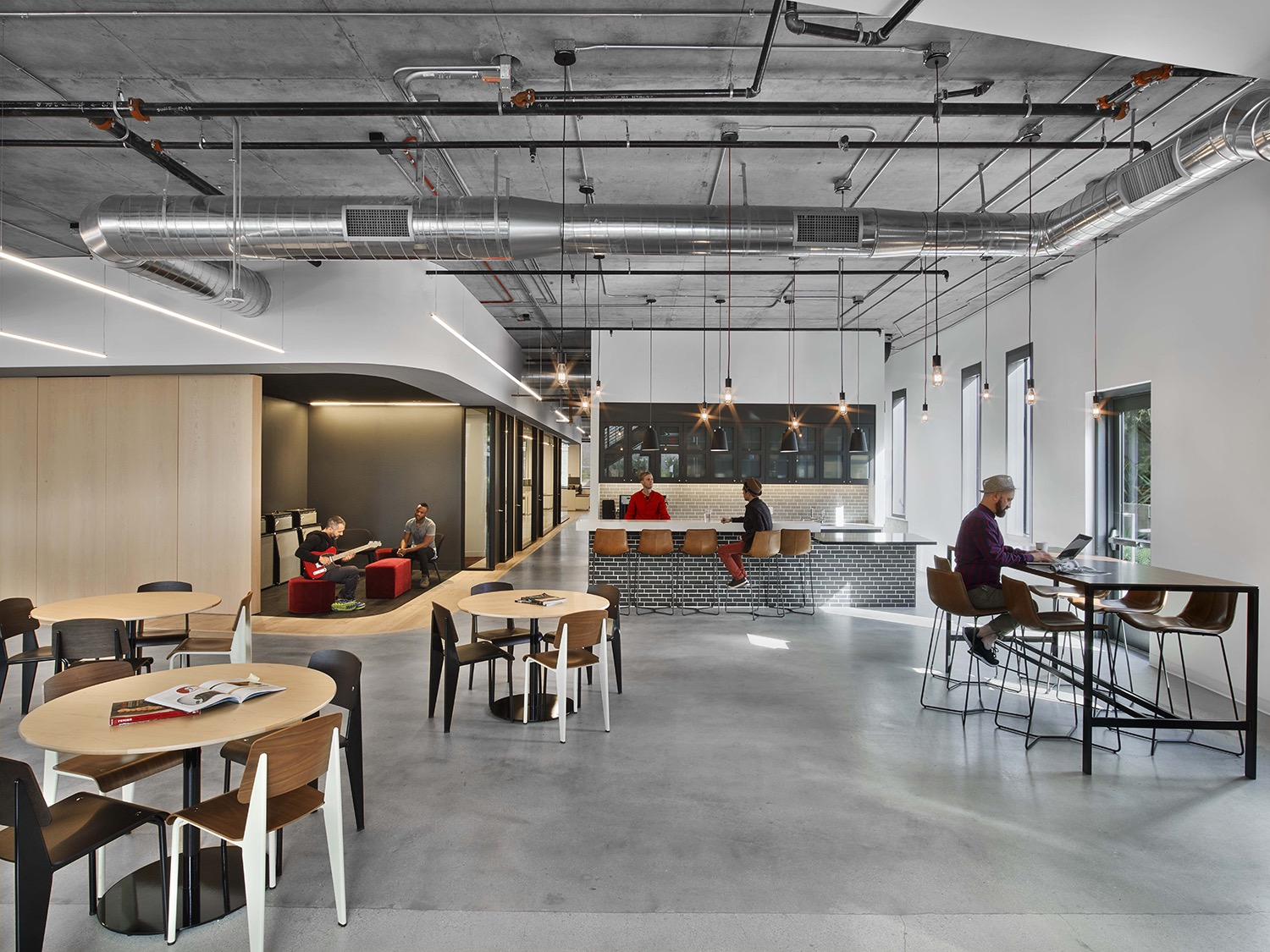 A tour of fender s sleek new los angeles office officelovin 39 - Studio interior design brescia ...