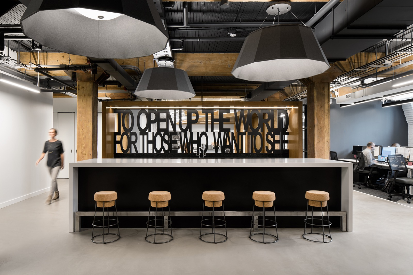 travel-centre-office-toronto-10