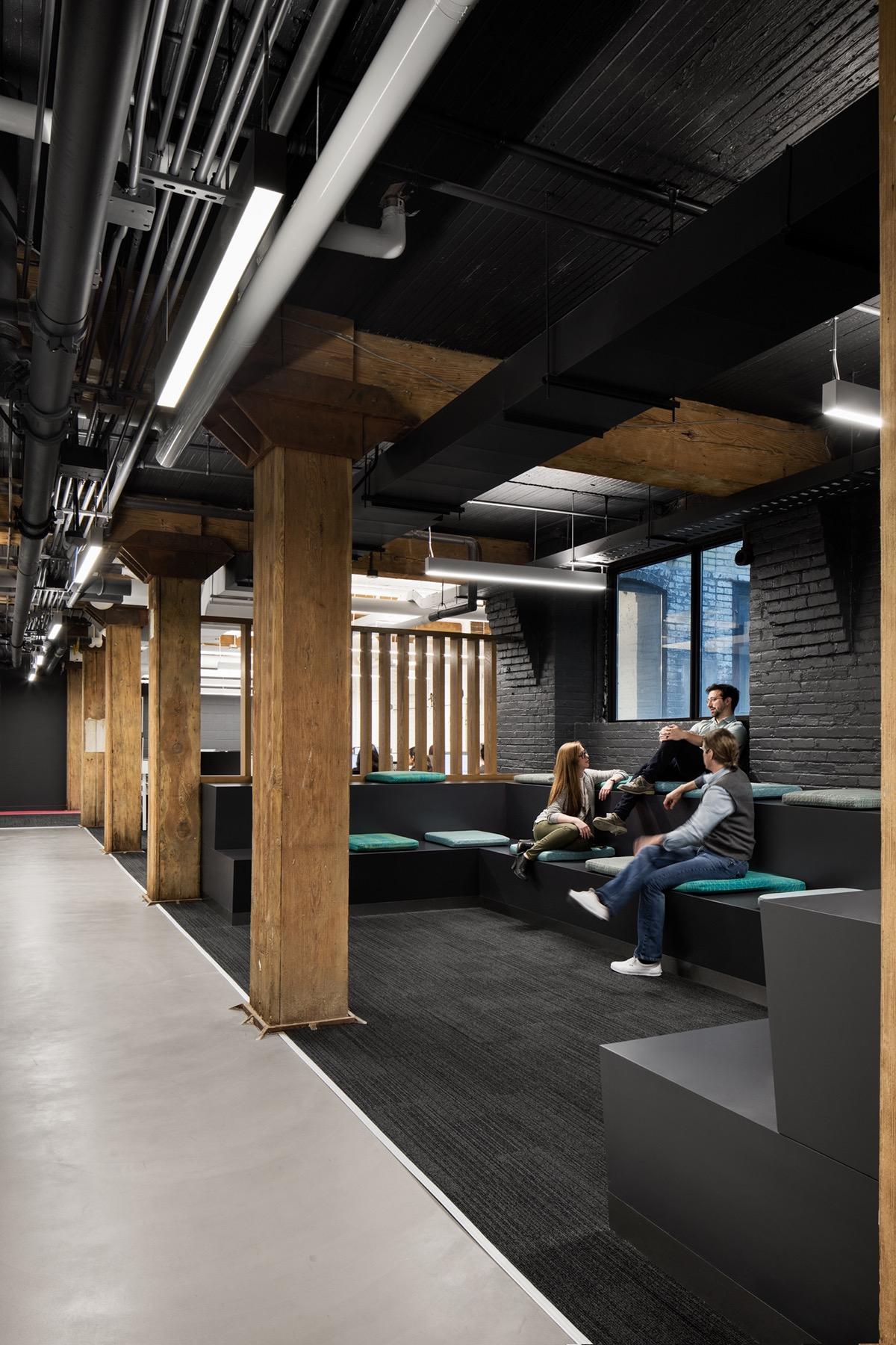 travel-centre-office-toronto-12