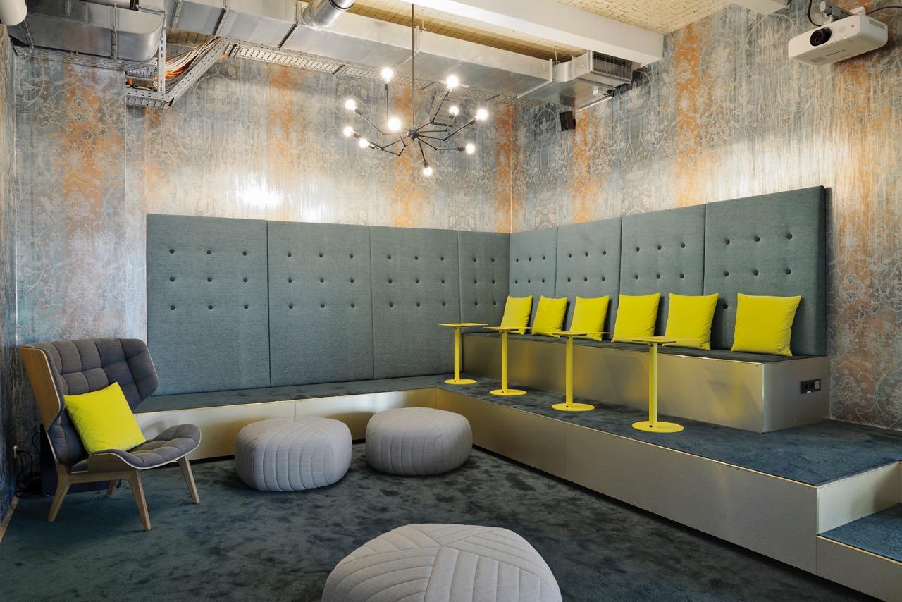 c-management-office-4