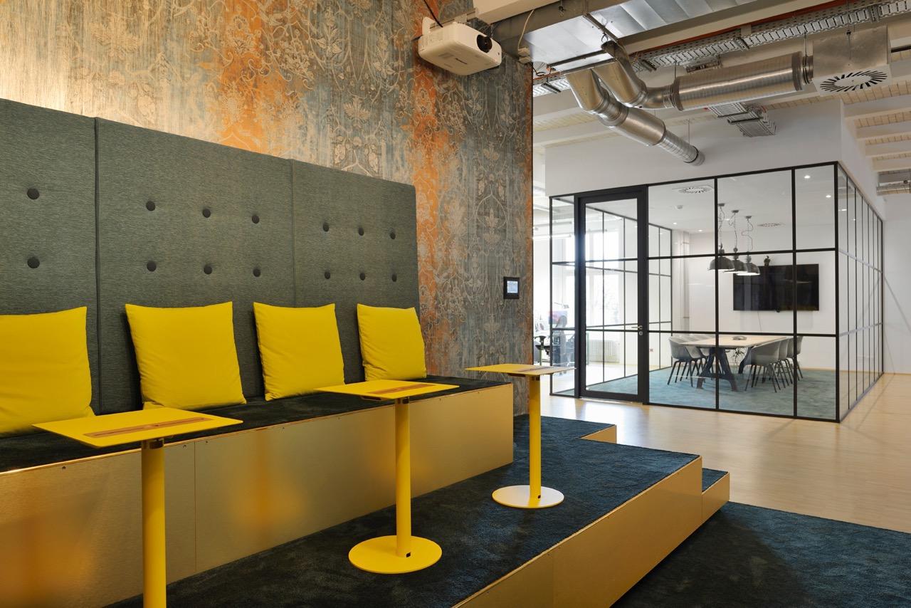 c-management-office-5