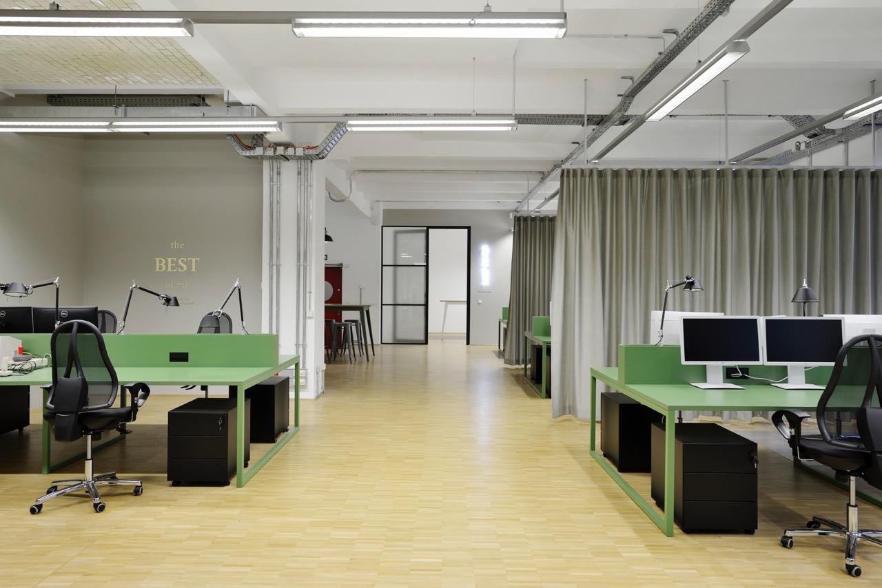 c-management-office-9