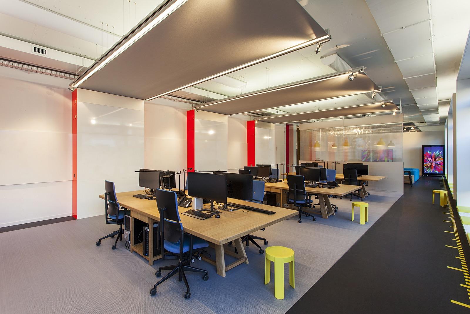 wall-ag-office-2