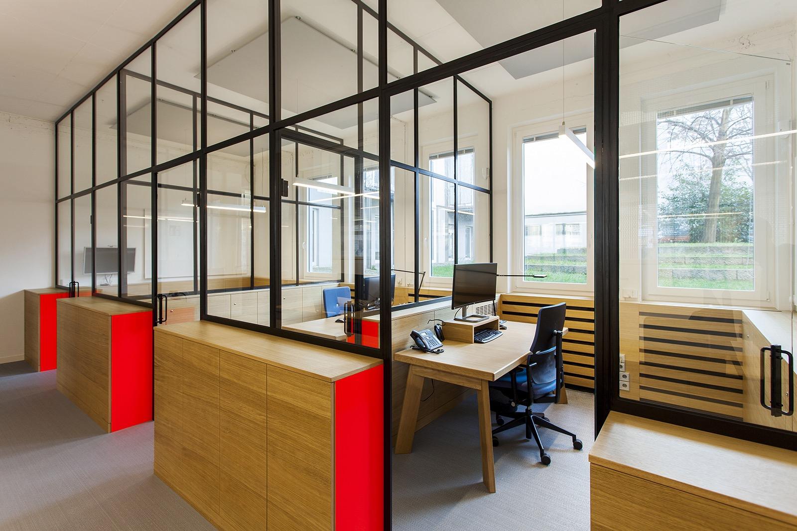a look inside wall ag s berlin office officelovin 39. Black Bedroom Furniture Sets. Home Design Ideas