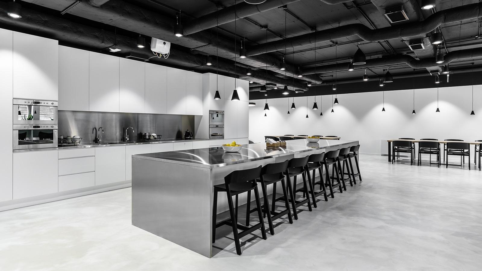 xl-catlin-office-19