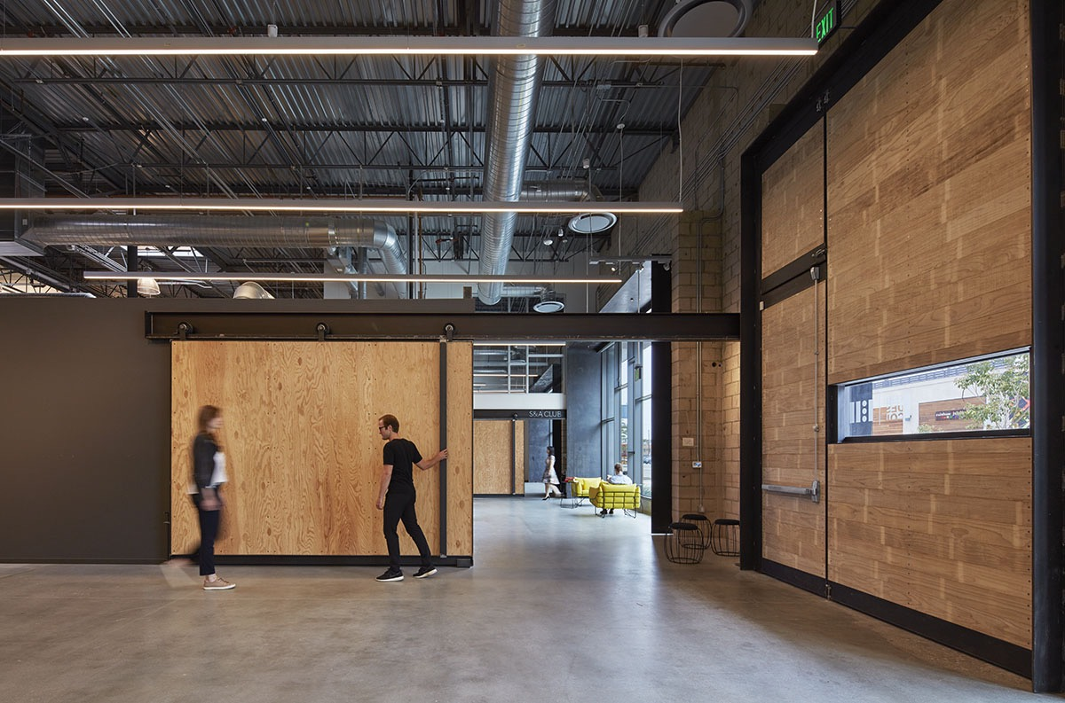 Inside-Retail-Design-Collaborative-office-10