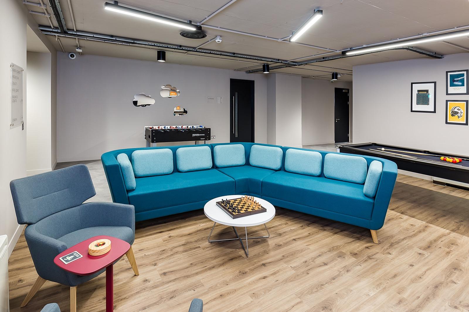 pioneer-point-london-office-12