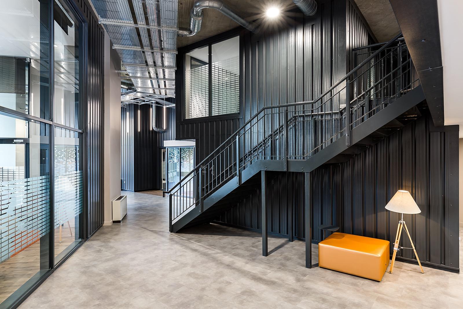 pioneer-point-london-office-7