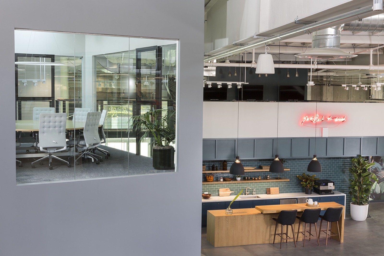 dollar-shave-club-office-3