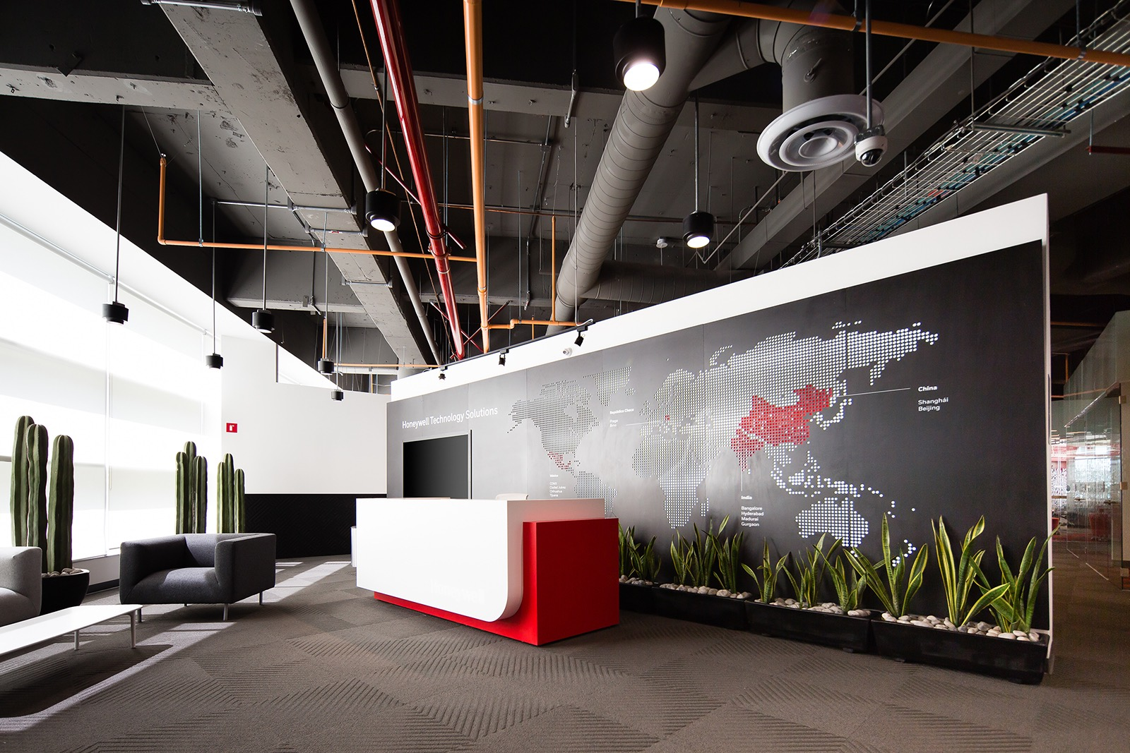 A Tour of Honeywell's Modern Mexico City Office - Officelovin'