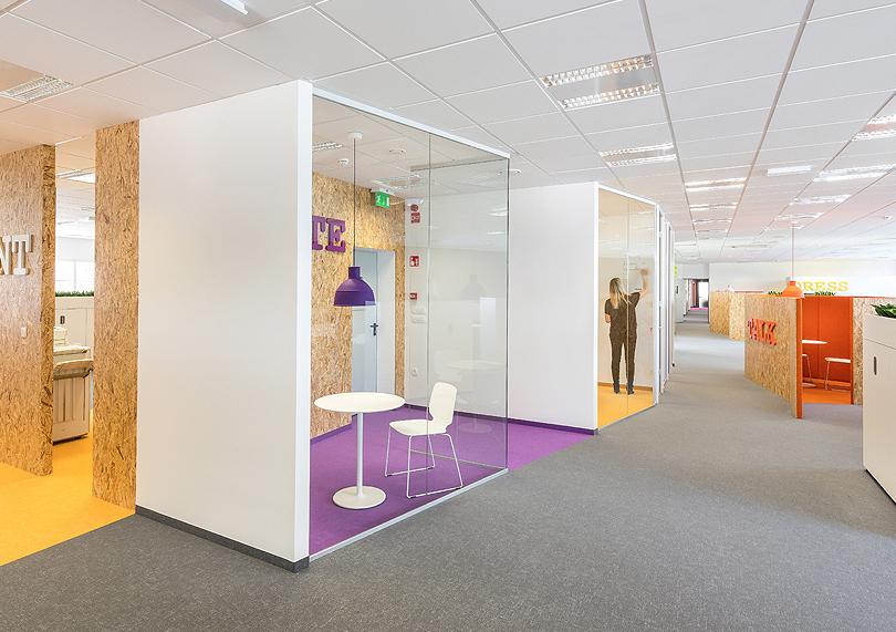kmag-office-m