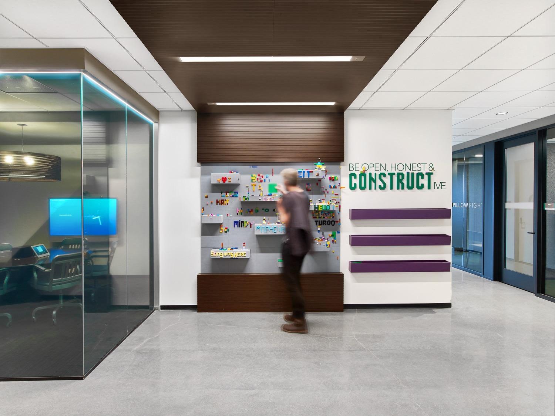 A Tour Of Linkedin S Cool San Francisco Headquarters