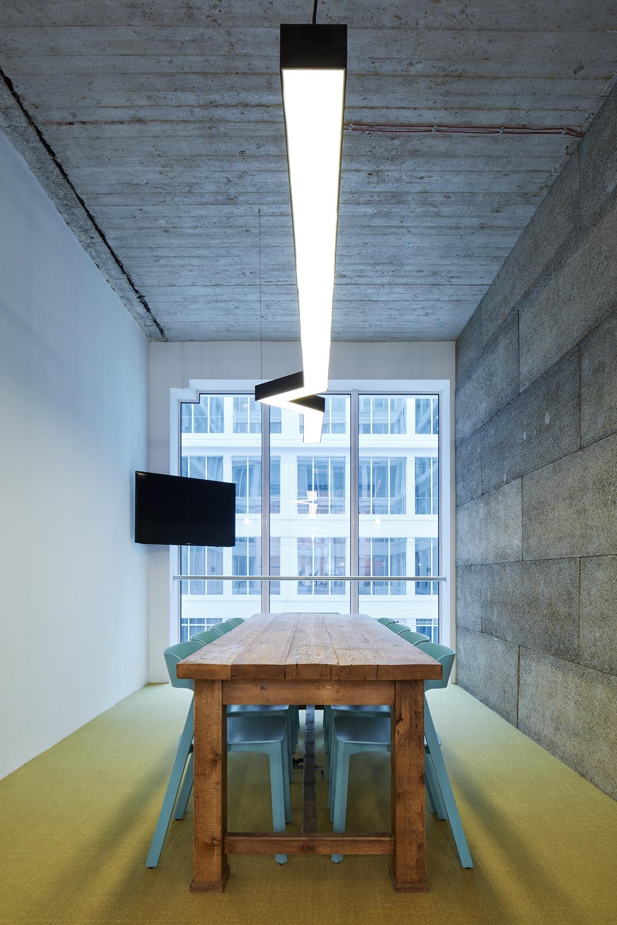 czech-promotion-office-14