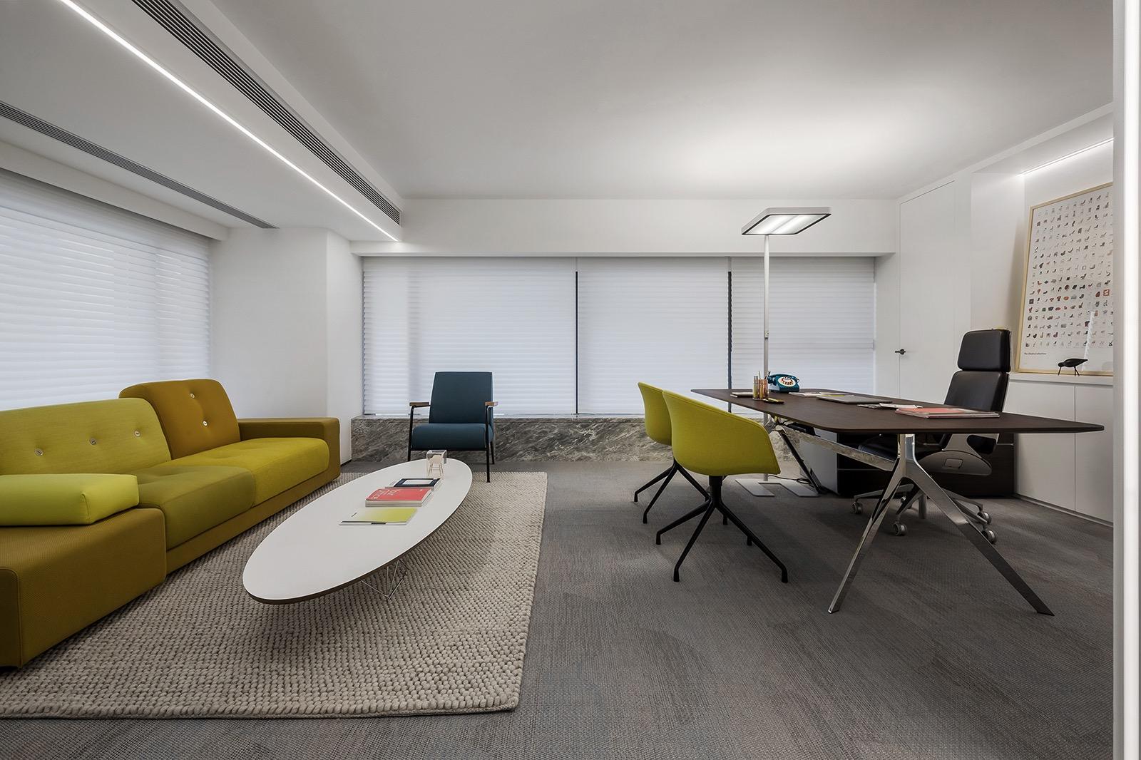 croyo-office-12