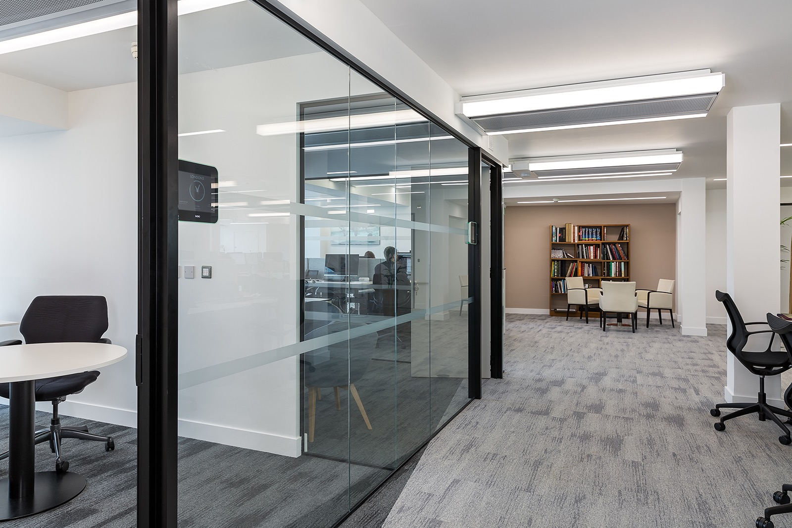 mandarin-oriental-office-8