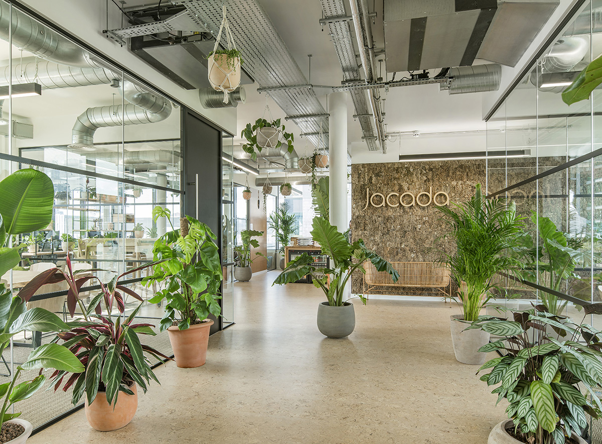 A Tour of Jacada Travel's Biophilic London Office ...