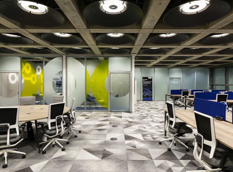 lloyds-lab-office-m