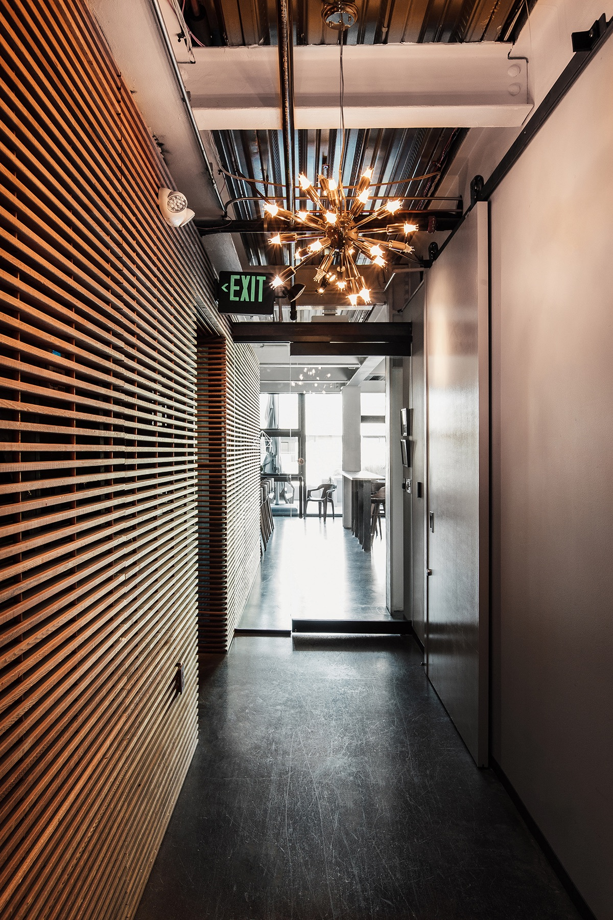 cloudroom-seattle-workspace-6